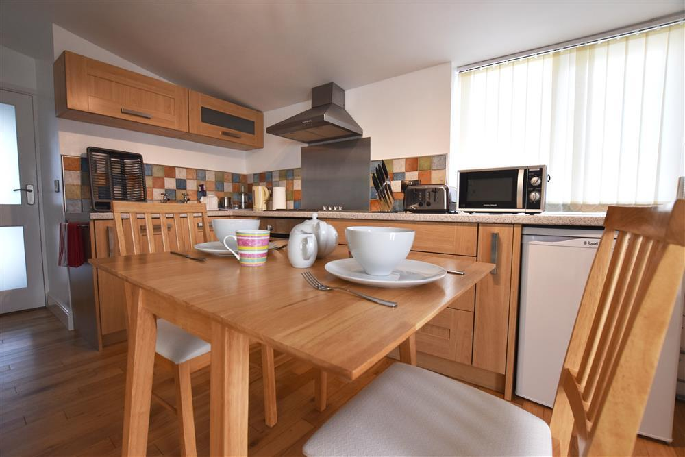 Photograph of 02 Hengoed Kitchen 2179 (4)