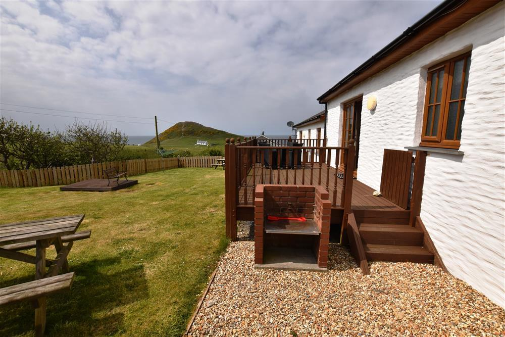 Converted milking parlour with distant views to Cardigan Bay - Sleeps 4 - Ref 903