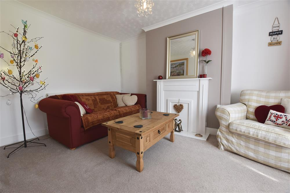 Photograph of 2232-3-Sitting room 2 Manora (1)