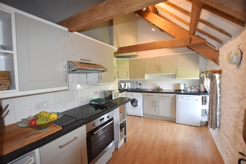 145-2-Self Catering Kitchen