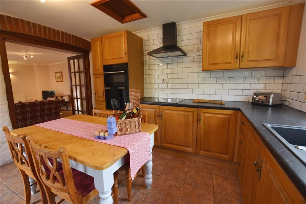 Photograph of 03 Cottage kitchen 2257 (3)