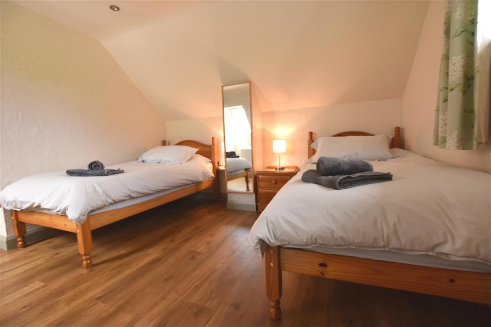 04 Twin beds Fishguard 2260 (2)