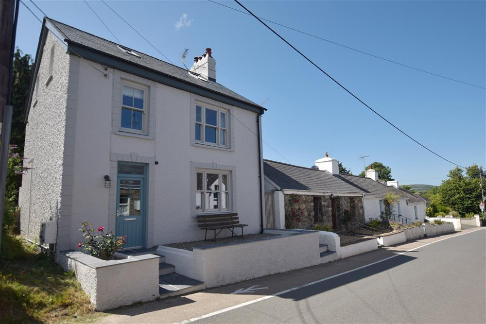Stylish cottage near beach, pubs & eateries - Sleeps 4 - Ref 2261