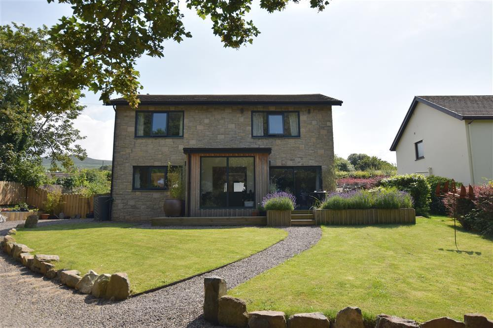 Stylish & contemporary house just a short walk from the Town centre - Sleeps 4 - Ref 2264