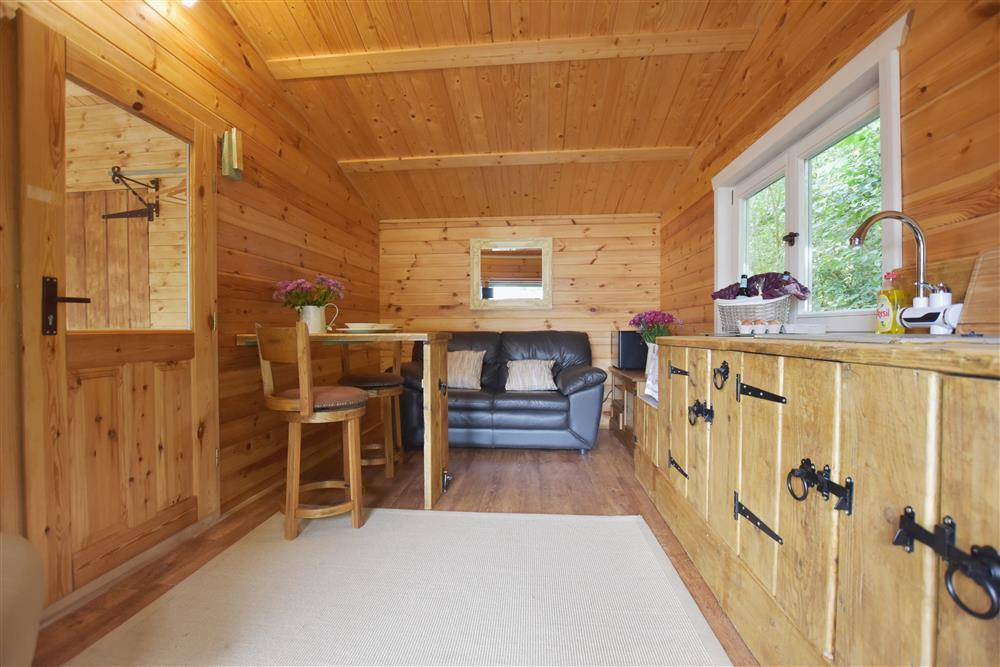 01 Log cabin at Denant 2263 (2)