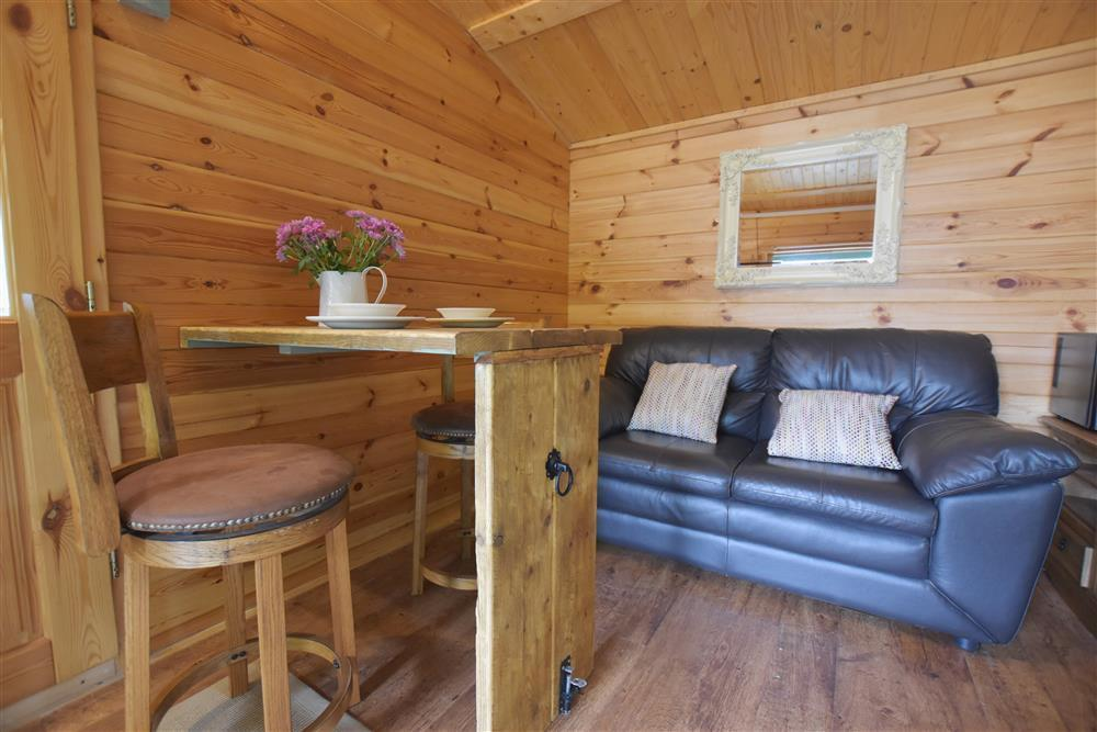 01 Log cabin at Denant 2263 (3)