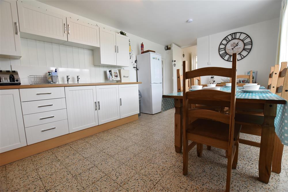 Photograph of 2232-4-Kitchen-dining-room (2)