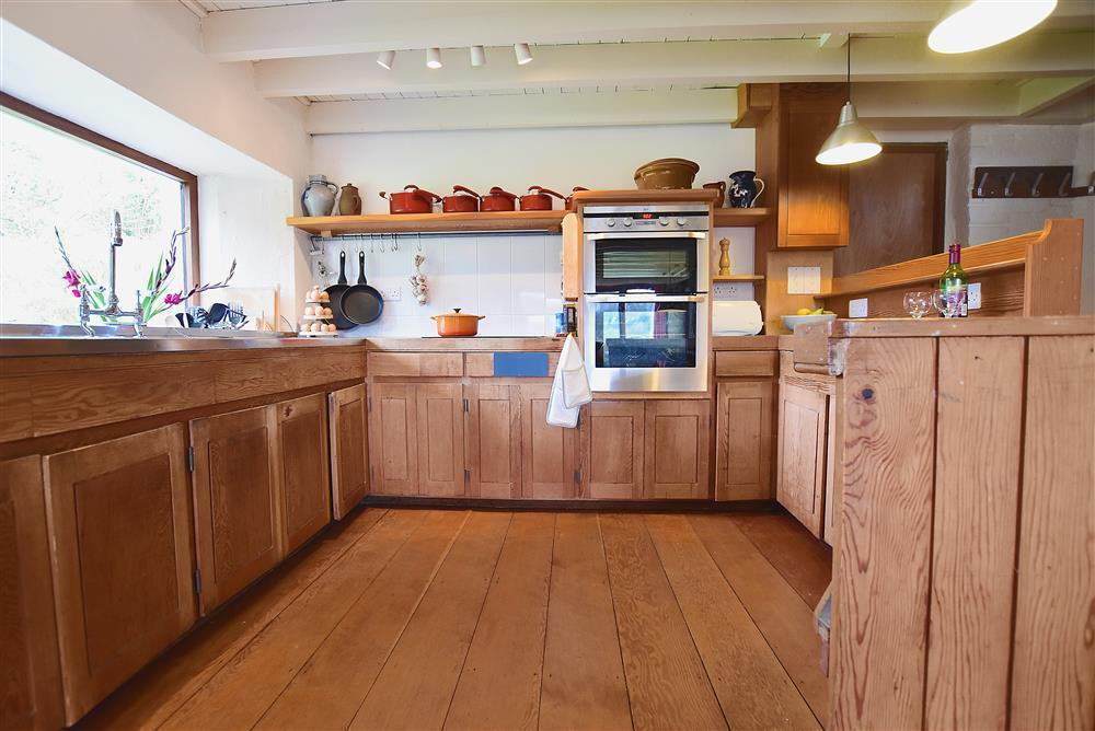 02 Country kitchen 2250 (1)