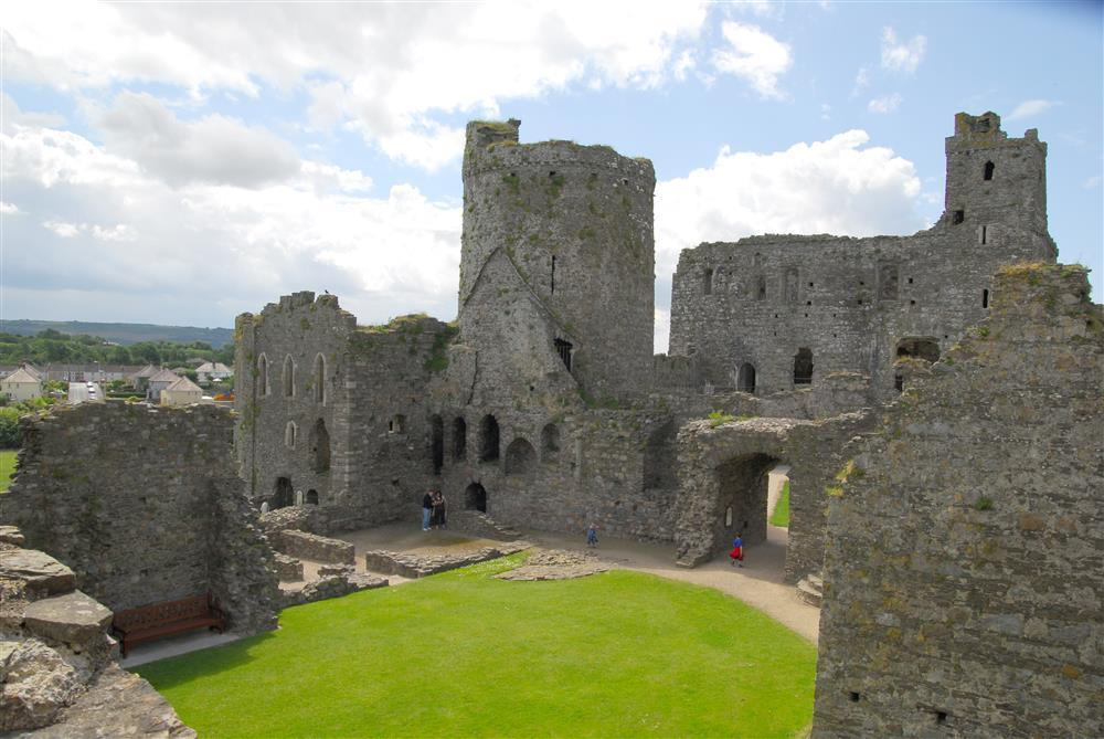 2109-09-Kidwelly Castle