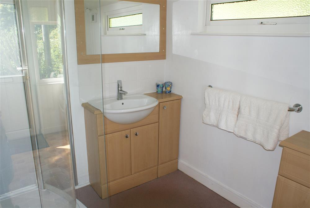 05-Shower room-629