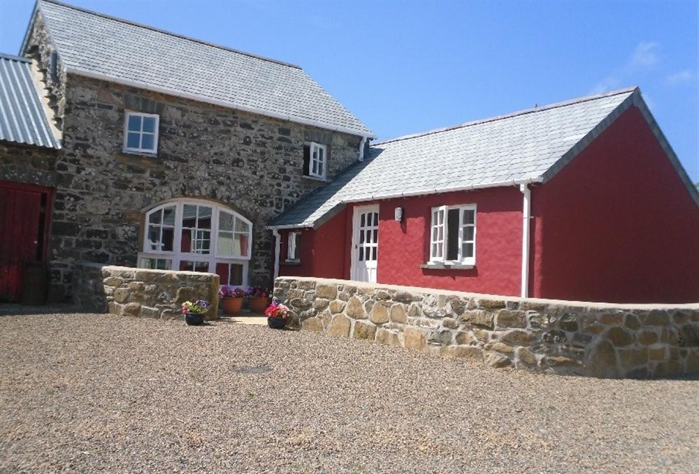 Cottage above the Gwaun Valley with glorious views of the Preseli hills  Sleeps: 4  Property Ref: 2125