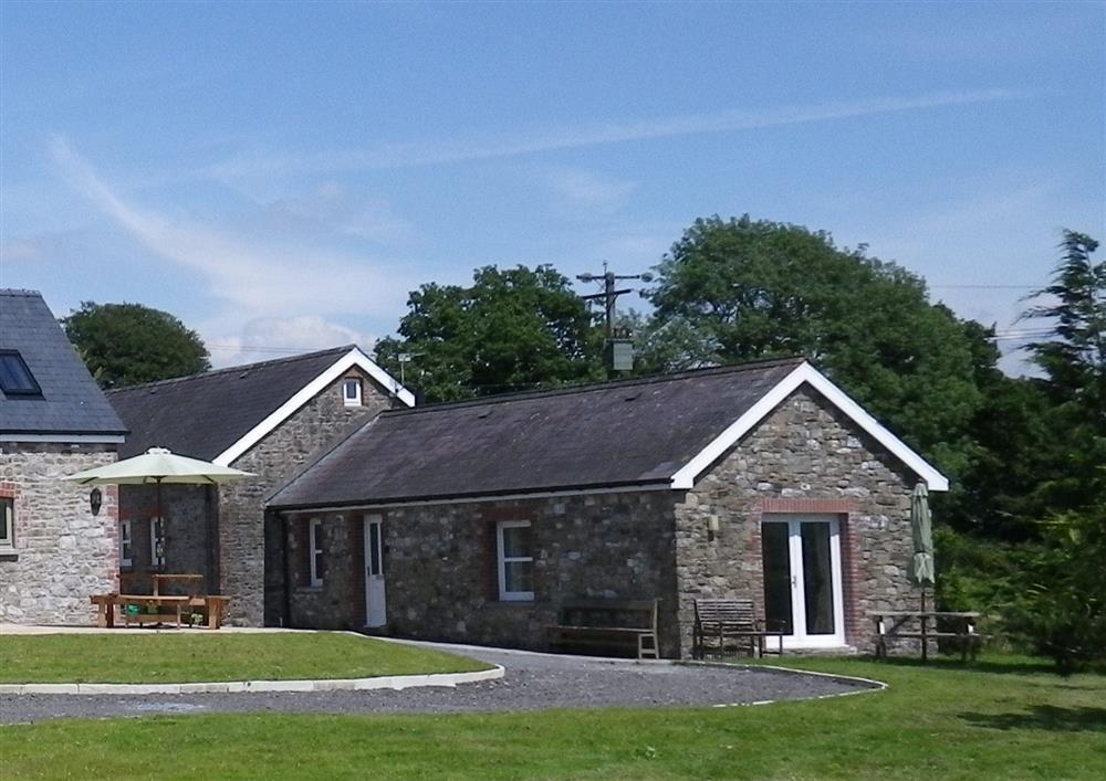 Converted barn in the Carmarthenshire Countryside near Llandeilo  Sleeps: 6  Property Ref: 2003