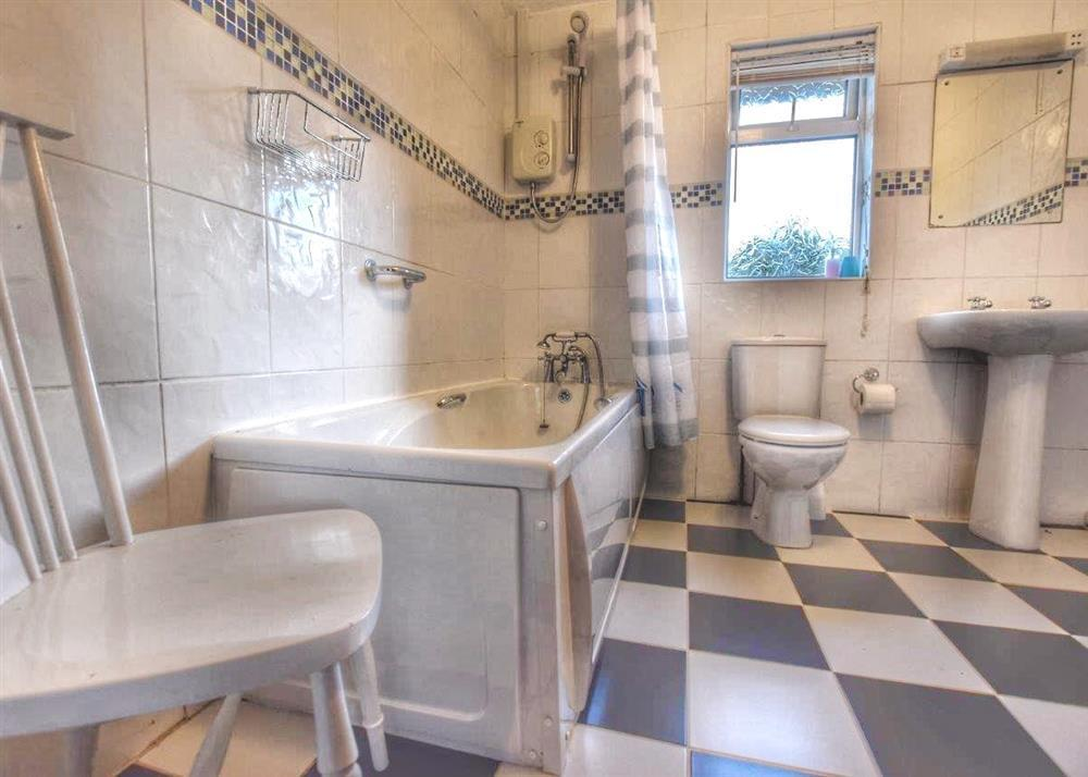 Photograph of 153-6-Bathroom