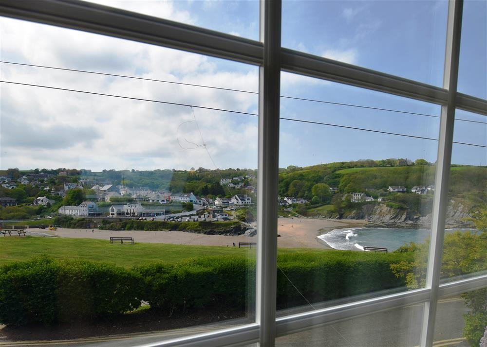 Photograph of 04 Aberporth beac view 536