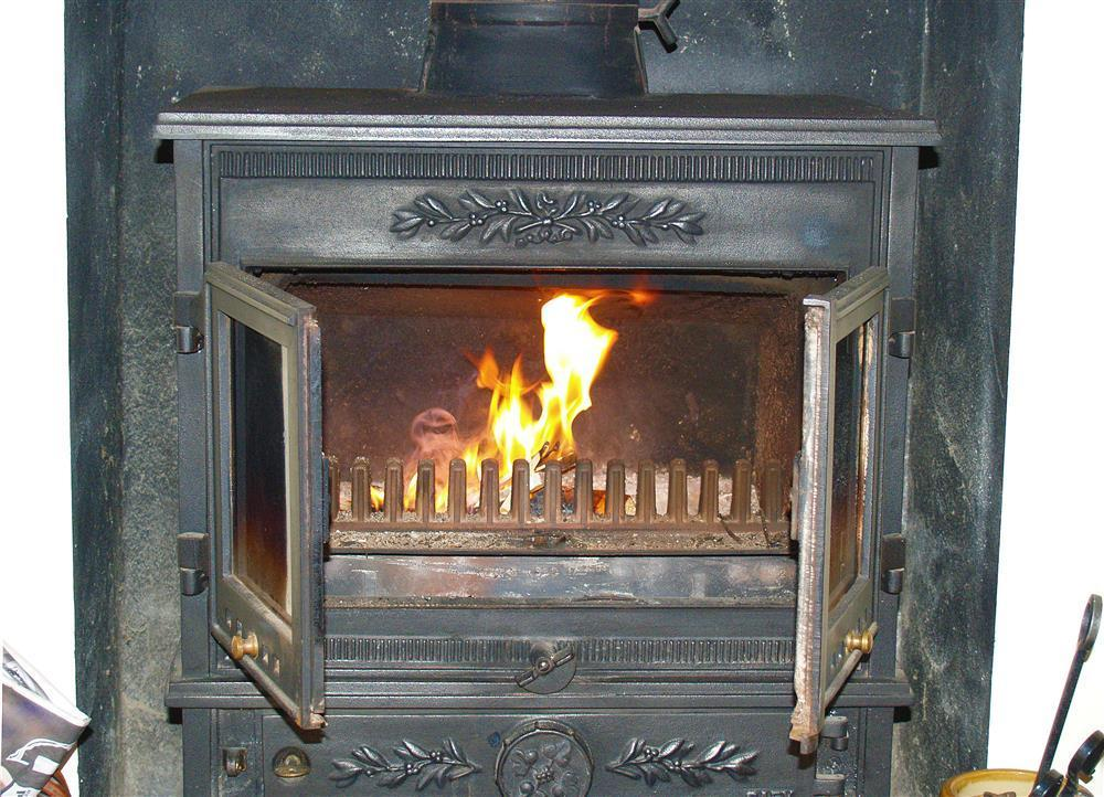 06-Cosy Fireplace-889