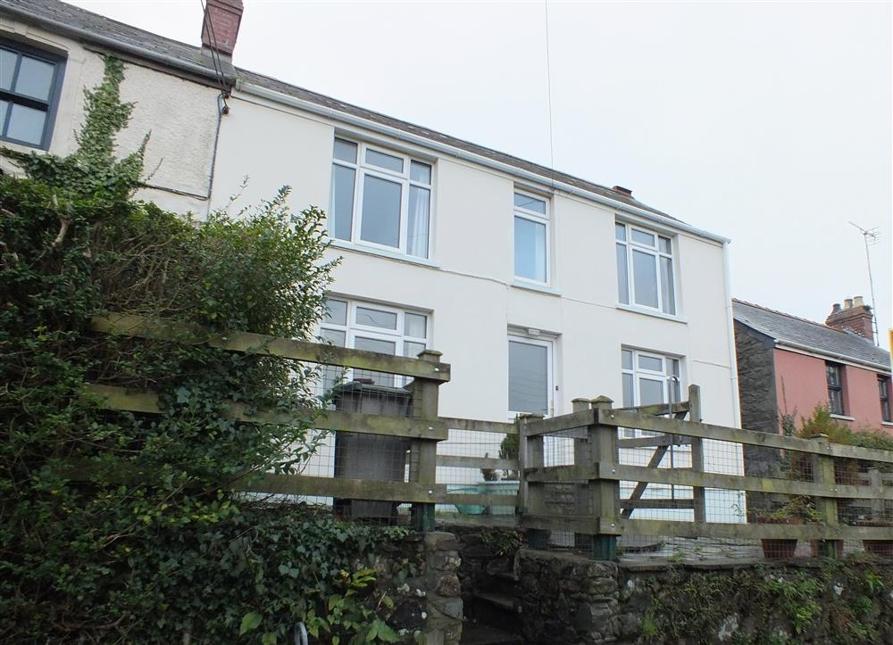 Family House at Newport - Sleeps 6 - Ref 2205