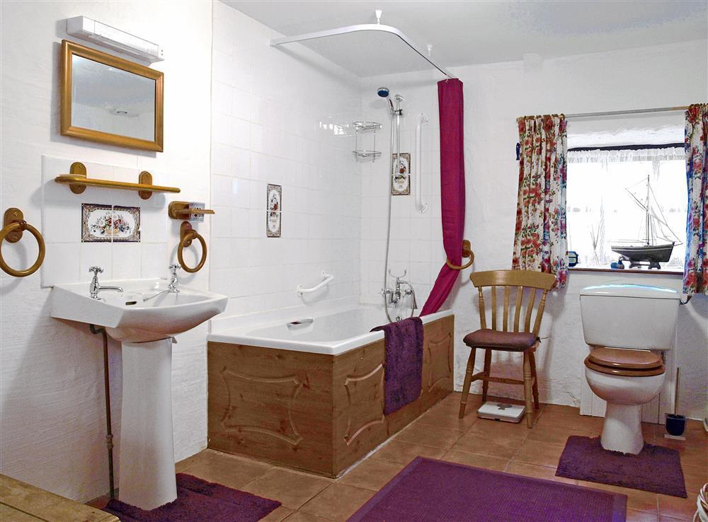 Photograph of 04-Bathroom-826
