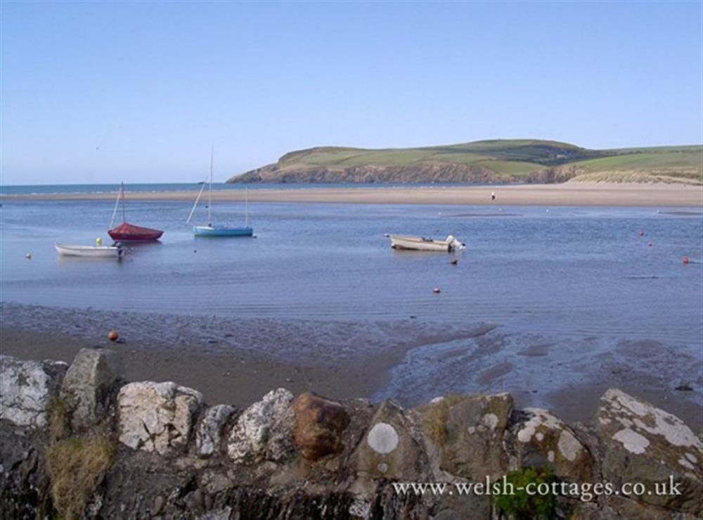 Photograph of 01-Newport Pembrokeshire-731