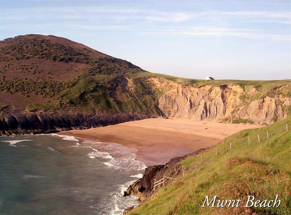 Photograph of 904-9-Mwnt Beach