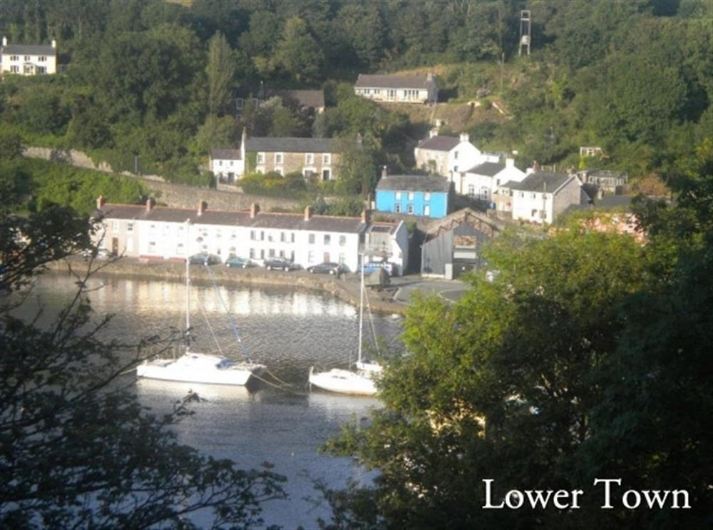 Shell Cottage - Lower Town - Fishguard - Sleeps 5 - Ref 2067