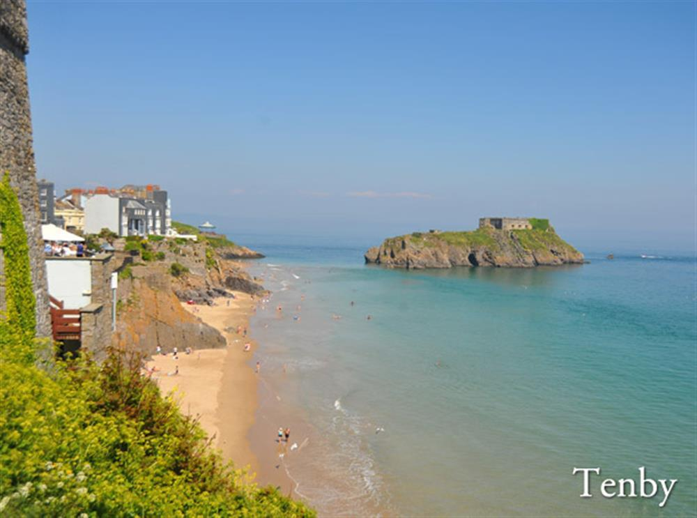 09 Tenby beach and harbour near 496 (2)