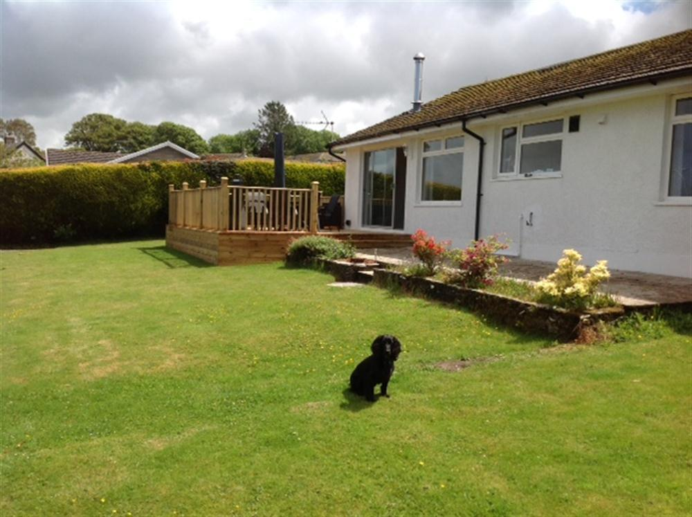 Ty Niwl Bungalow with sea view - Maes y Cnwce - Newport - Sleeps 6 - Ref 2113