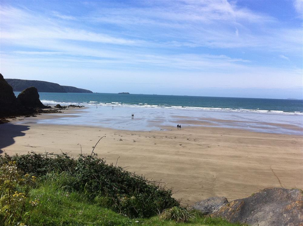 Photograph of 09 Broad Haven Beach 560 (1)