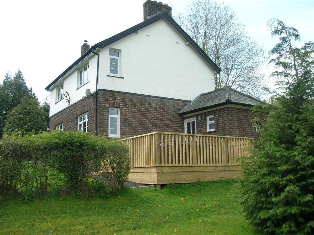 Detached house with Hot Tub - Hundred House -  near Llandrindod Wells - Sleeps 7 - Ref 2091