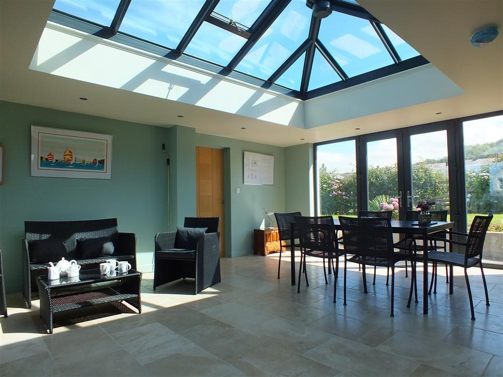 Gloywa Heli Bungalow - Aberaeron Beach - Cardigan Bay - Sleeps 6 - Ref 2106