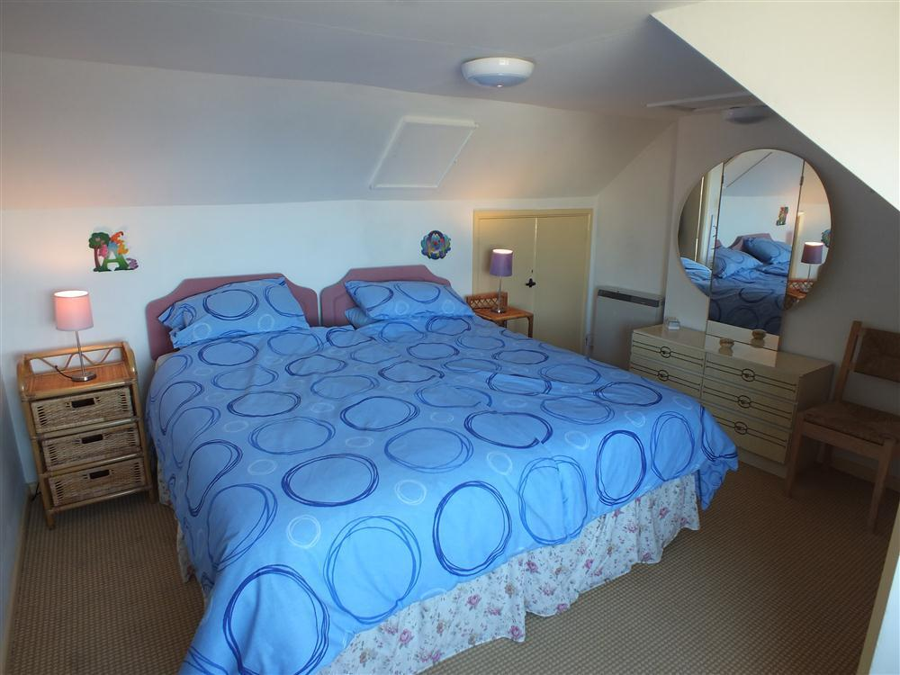 Photograph of 2121-8-twin-beds