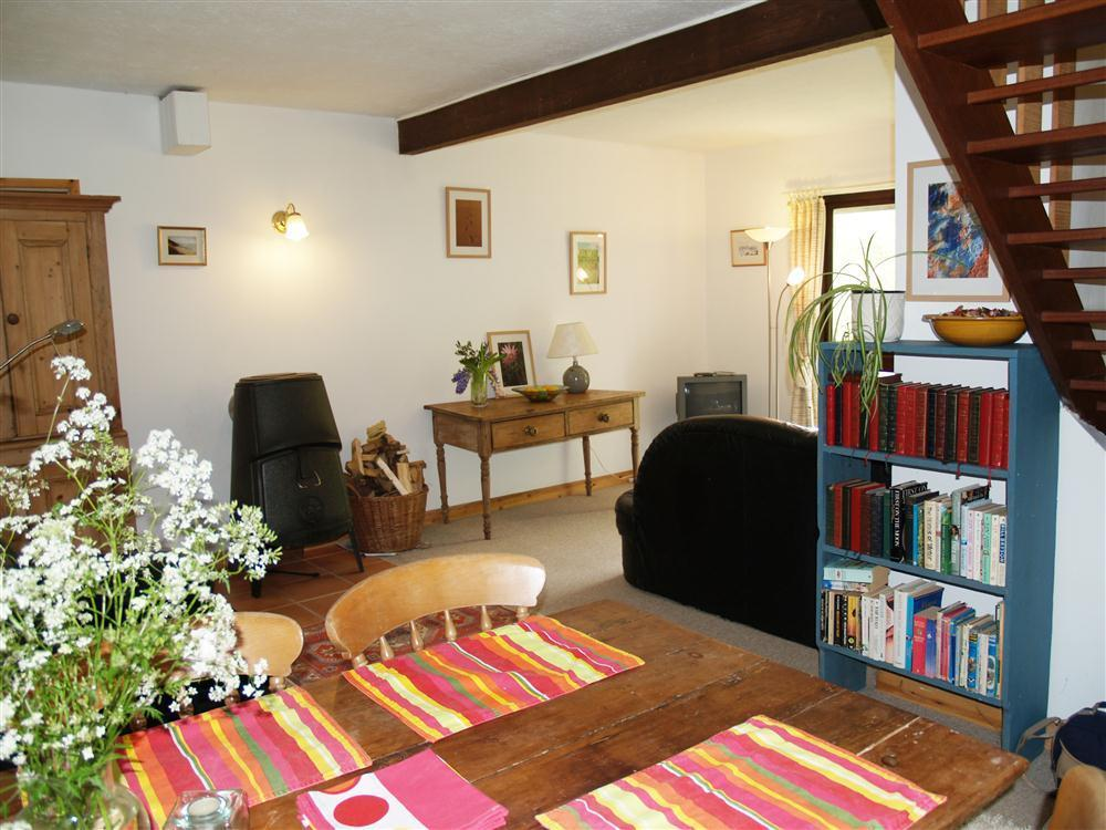 Comfortable apartment in a quiet location in mid Pembrokeshire - Sleeps 4 - Ref 497