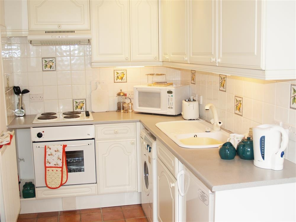 Photograph of 651-4-Kitchen