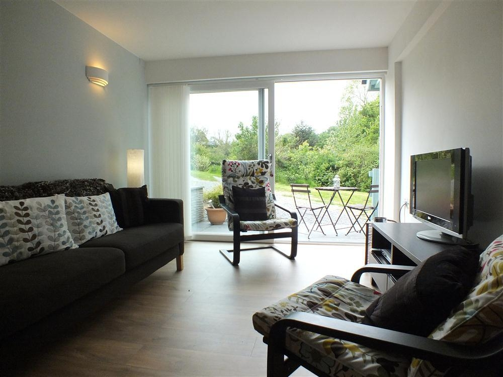 Garden Apartment - Tresaith - Cardigan Bay - Sleeps 6 - Ref 726
