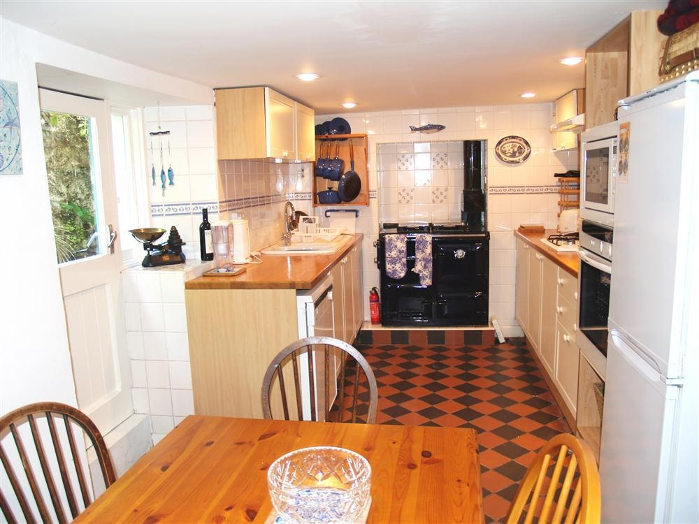 Photograph of 888-1-Kitchen