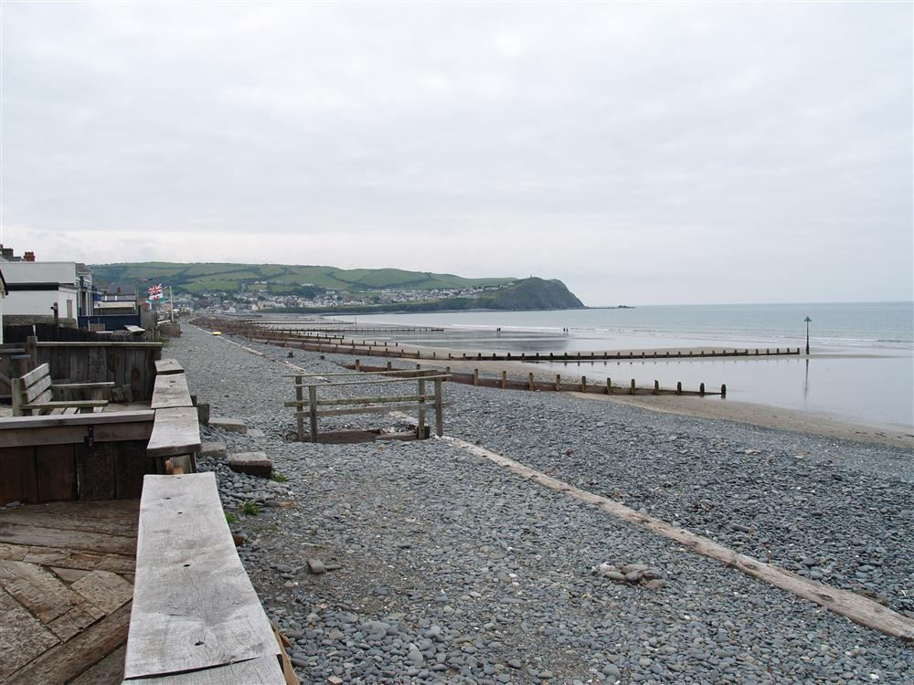 Photograph of 577-9-Borth Beach
