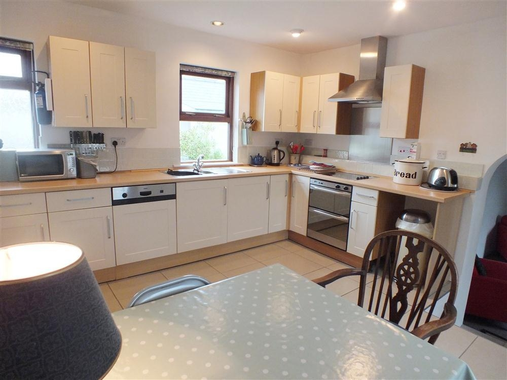 Converted Stone Cottage - Solva - Sleeps 4 - Ref 155