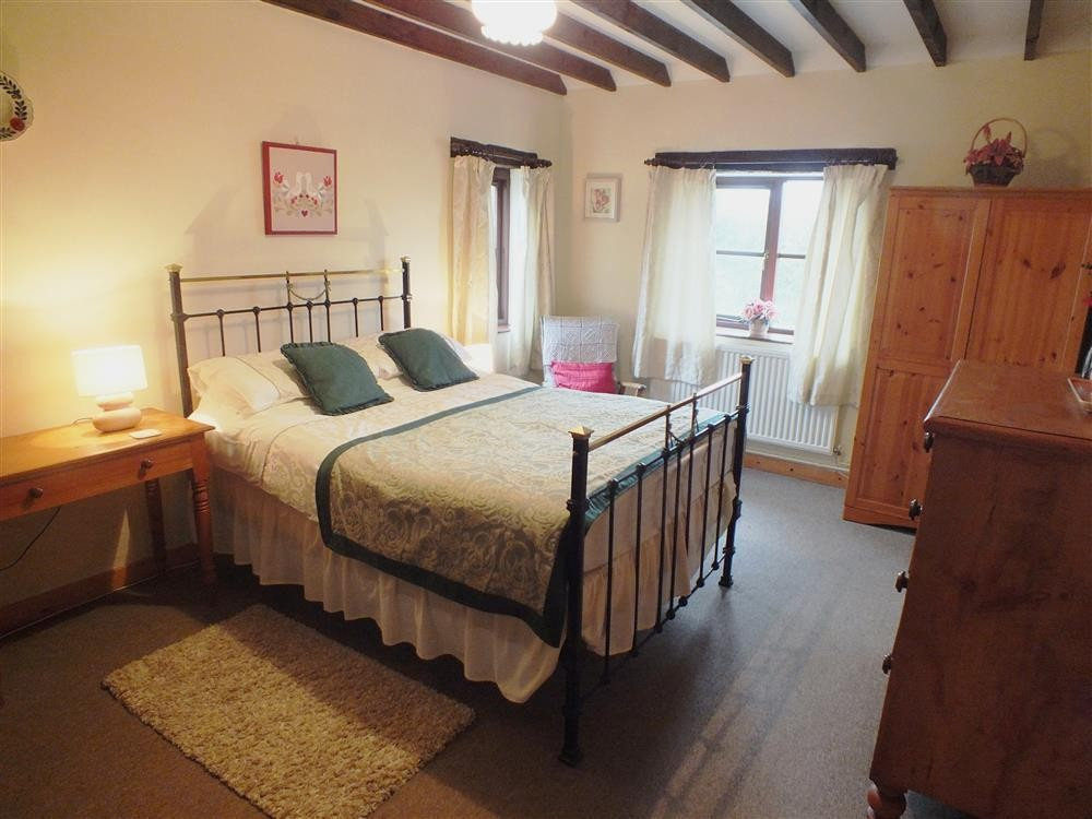Holiday Cottage - St Davids   - Sleeps 4 - Ref 310