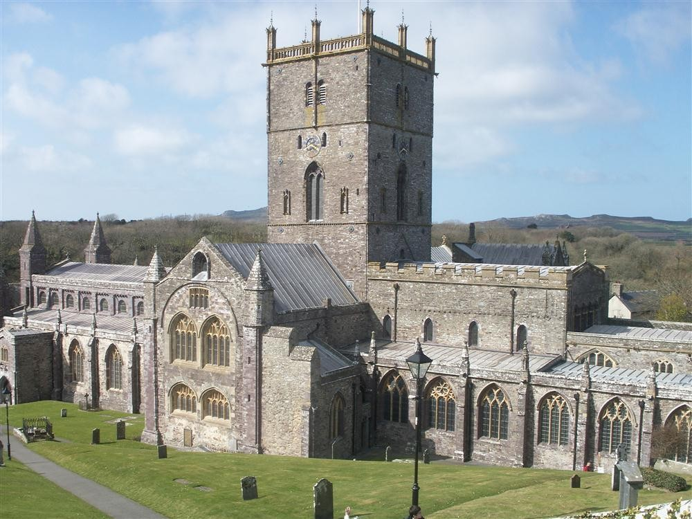 310-9-St David's Cathedral