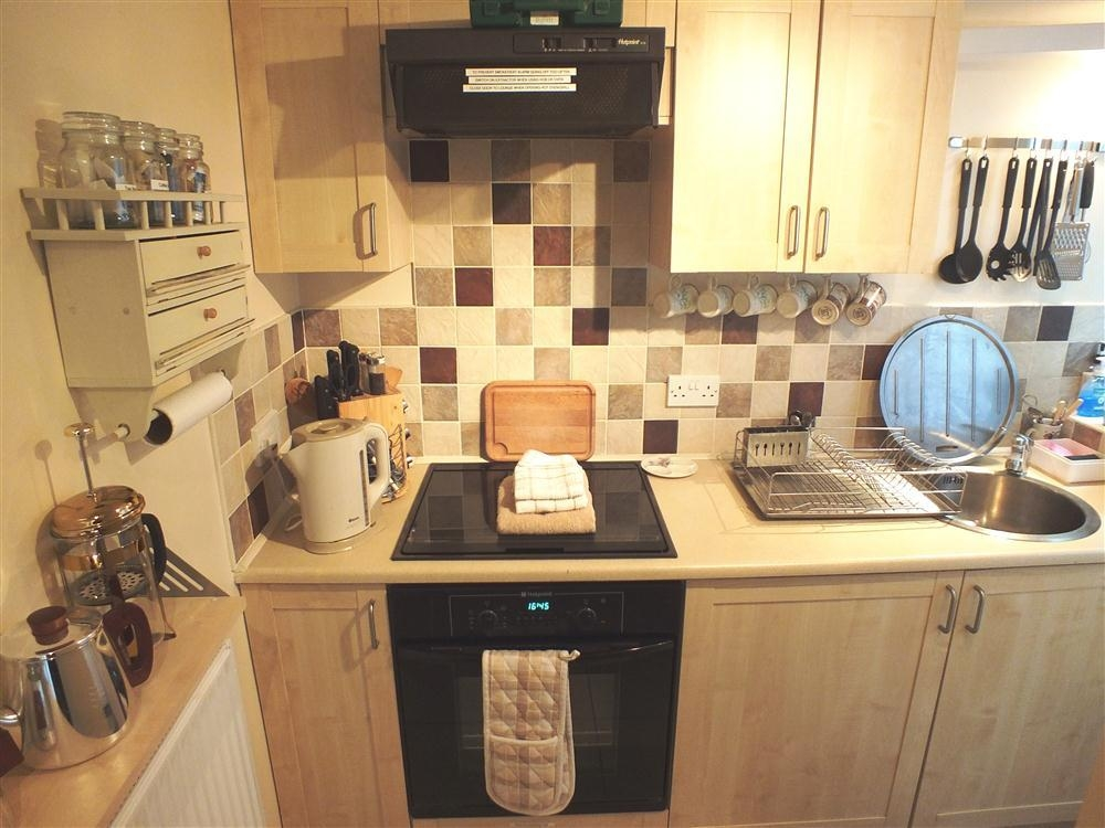 Photograph of 551-3-kitchen