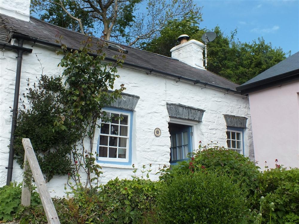 Cosy Stone Cottage - St Dogmaels - Sleeps 2 - Ref 368