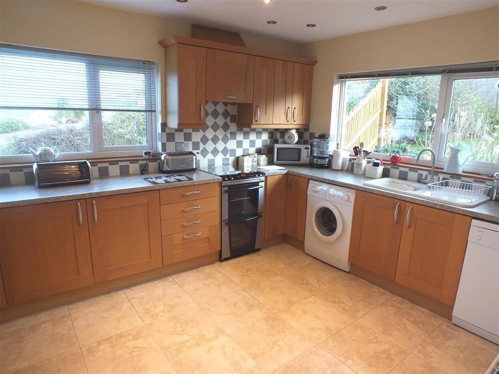 Photograph of 2098-4-Kitchen