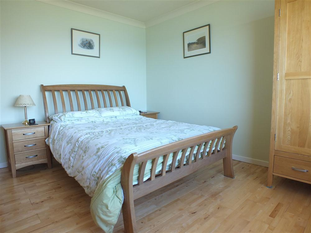Photograph of 2098-5-Master Bedroom