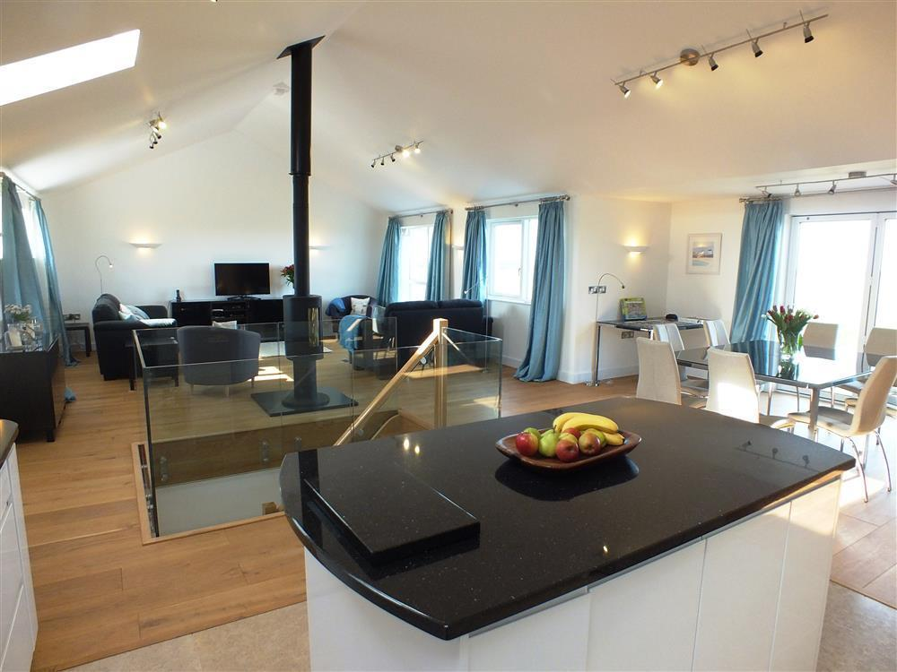 2150-2-open plan living Marloes