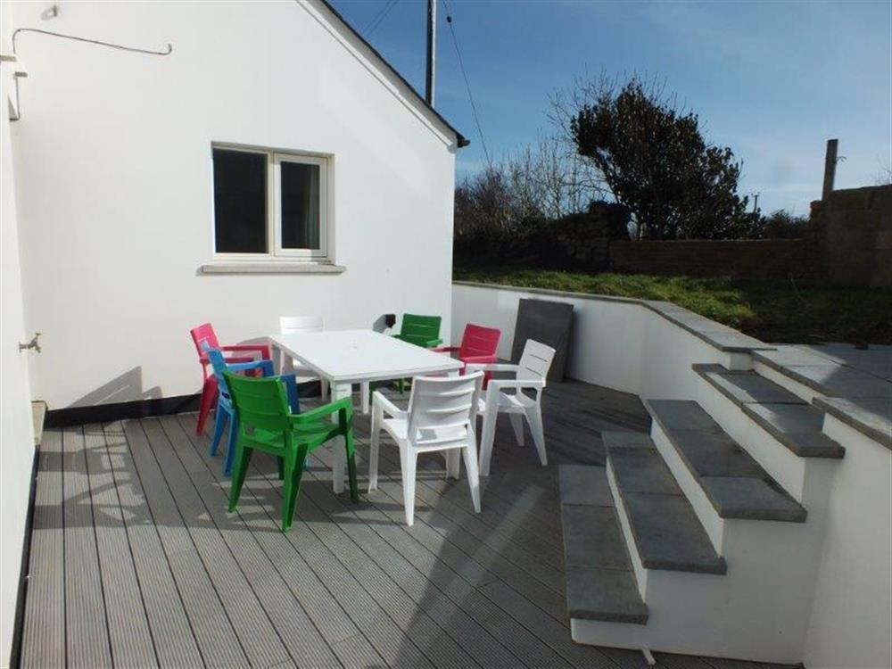 2150-91-decking area