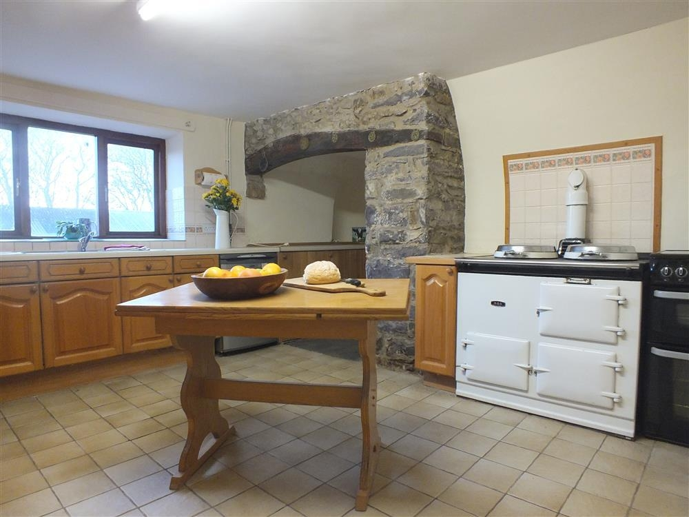 2143-3-Trepuet farmhouse kitchen