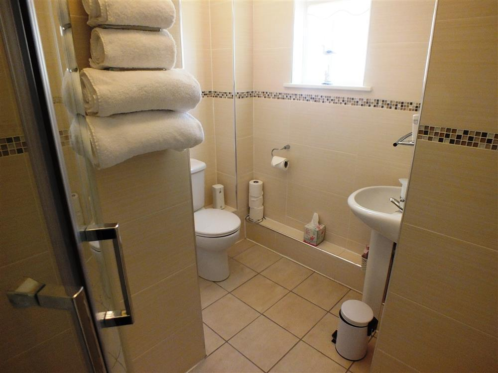 2154-7-en-suite to double