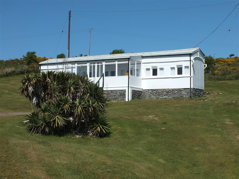 Seaside Railway Carriage  - Gwbert on Sea - Sleeps 6 - Ref 2045