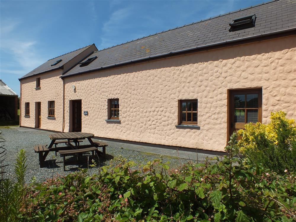 Converted Granary - St Ishmaels - Dale Peninsula - Sleeps 8 - Ref 116