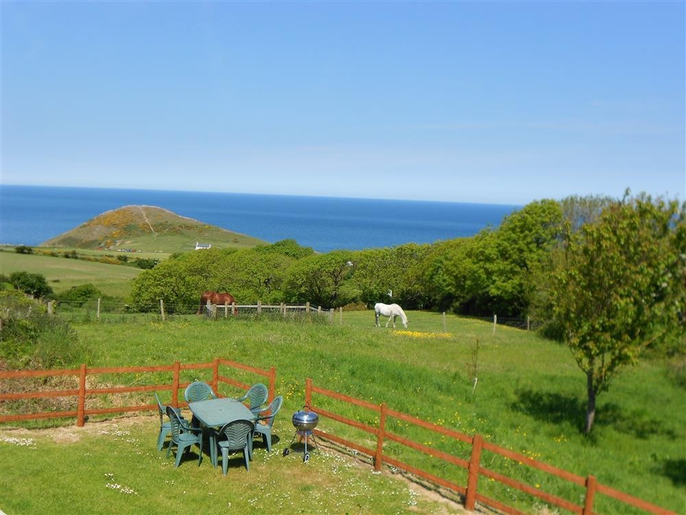 Barn Conversion with sea views - Mwnt Beach - Cardigan Bay - Sleeps 6 - Ref 221