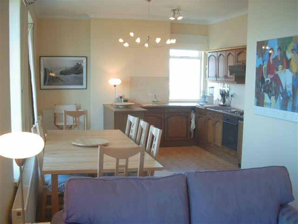 693-2-Dining Area and Kitchen